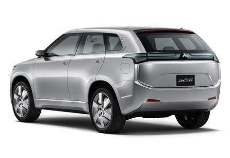 mitsubishi cars 2009 mitsubishi launching eight new electrified cars by 2015
