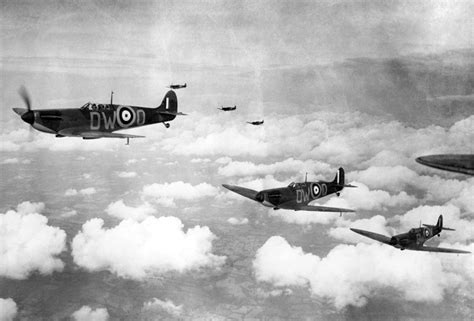 battle of britain 1940 the luftwaffeâ s â eagle attackâ air caign books the battle of britain sts launched post office shop