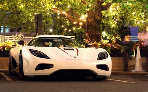 koenigsegg agera r wallpaper white koenigsegg agera r white car wallpaper colorful