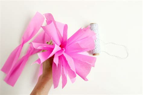 Pom Poms From Crepe Paper - diy crepe paper pom 6 the sweetest occasion the
