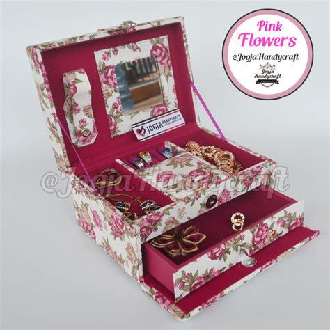 Tempat Jam Tangan Mix Aksesoris Baby Pink pink flowers jewellery box kotak tempat perhiasan accesories