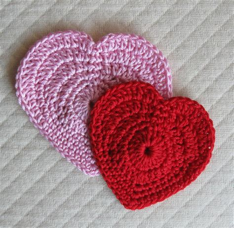 heart pattern in crochet simple hearts crochet pattern by many creative gifts