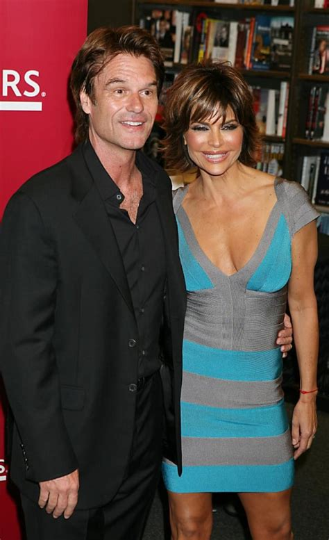 what is wrong with lisa rings husband lisa rinna husband the hollywood gossip
