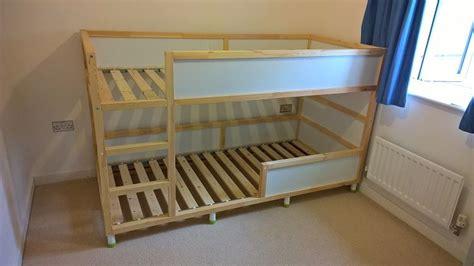 somier con cama abajo cama kura ikea con somier abajo y patas a 241 adidas