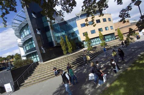 Online Resume Formats by About Swansea University Geebee Education