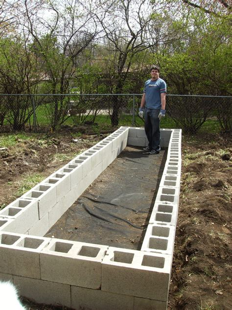cinder block raised bed building a raised bed garden with cinder blocks
