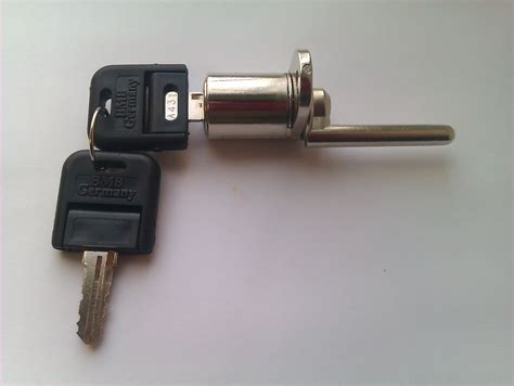 How To Desk Lock by Keysplease Co Uk Ammerhurst Ltd Locksmith Uk