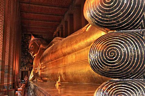 wat pho reclining buddha photo reclining buddha at wat pho bangkok thailand