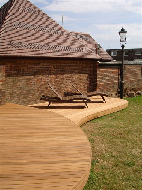 Flooring: Reasons Why Ipe Decking Is The Best Material