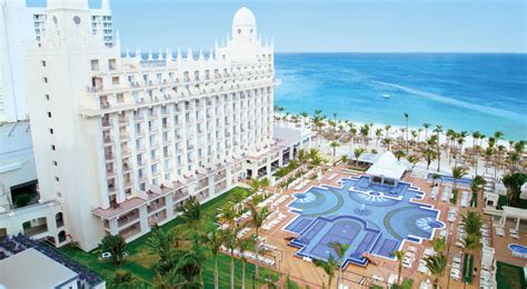 vacation suites in aruba palm beach aruba 2 bedroom suites riu palace aruba 10 off apple vacations