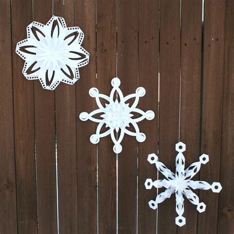 Folding Paper Snowflakes - folded dimensional paper snowflakes pazzles craft room