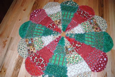 Rag Quilt Tree Skirt Pattern by Tree Skirts Rag Style