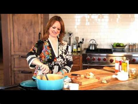 pioneer woman ree drummond juggles new cookbook cookware show pioneer woman ree drummond juggles new cookbook cookware