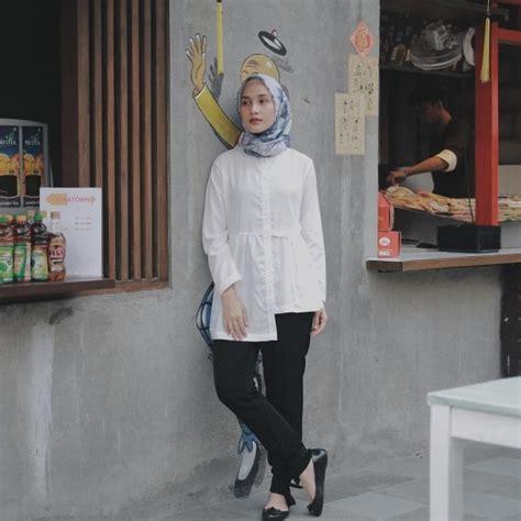 Sepatu Casual Dc Shoes Hitam Abu 10 inspirasi gaya casual buat ke kantor biar til beda