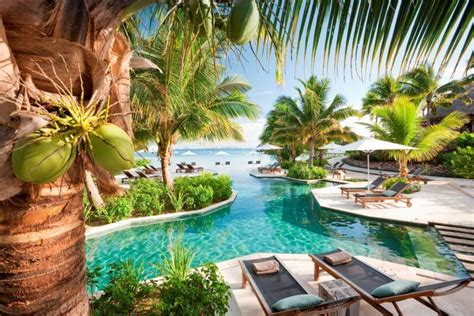 fiji bungalow resorts relax at the likuliku lagoon resort in fiji