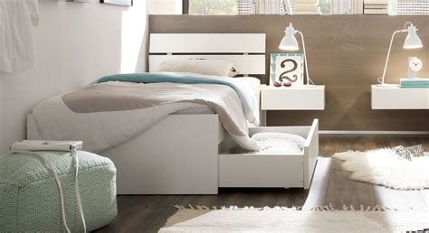 funktionsbett 100x200 einzelbett in z b 100x200 cm mit schubladen in wei 223 mocuba