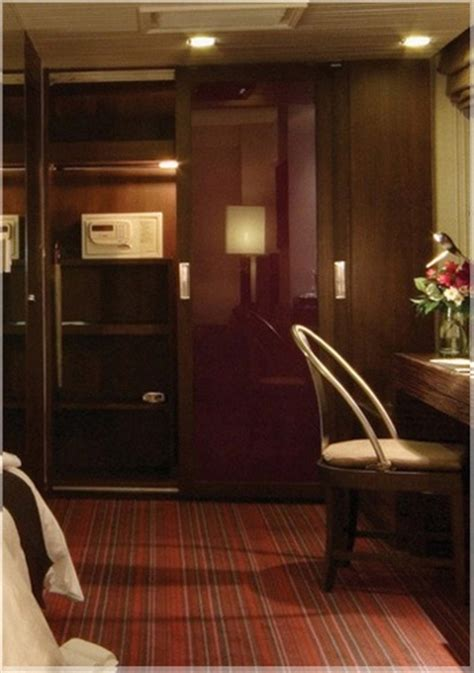 Lemari Pakaian Hotel desain interior lemari pakaian minimalis modern