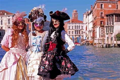 The Of Venice Festival by Venice Carnival 2014 A Cosplayers