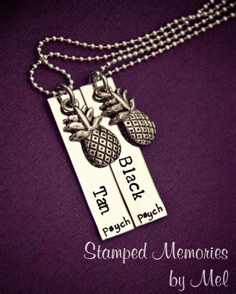 Pineapple Set Rok Best Friends psych fan black and necklace set by stedmemoriesbymel
