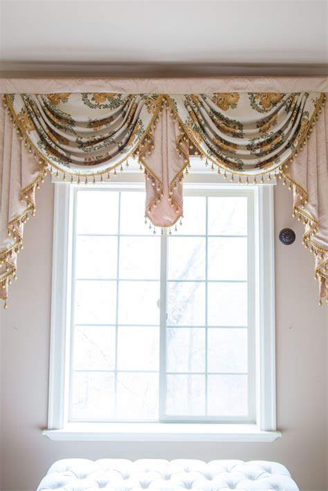 curtains with swag valance 258 best images about window treatments swag valance