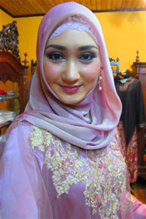 Jilbab Instan Najwa Cinta Dilangit Taj Mahal model dan gaya jilbab kebaya untuk idul fitri 2016 cara