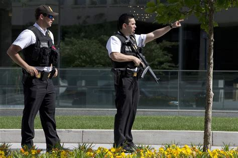 white house shooting suspect who opens fire on white house is shot the blade