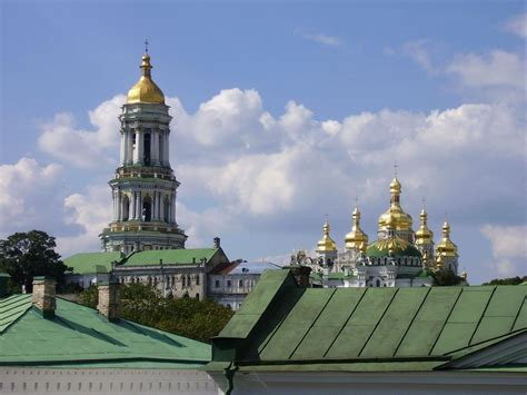 kiev a travel guide for your kiev adventure new edition written by local ukrainian travel expert kiev ukraine travel guide belarus travel guide books kiev travel guide happy frog travels