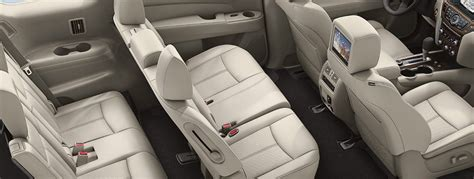 nissan pathfinder seating how many passengers does the nissan pathfinder seat