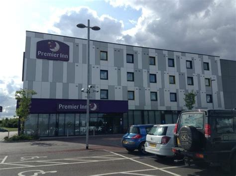 premier inn stansted the exterior picture of premier inn stansted