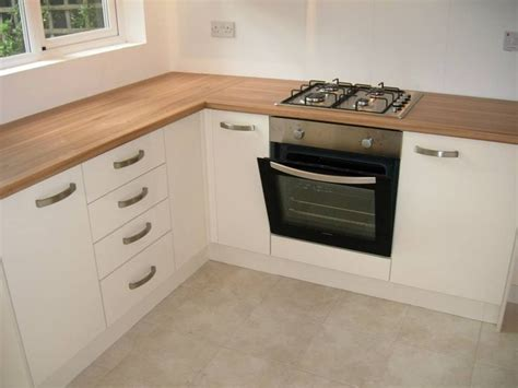 Howdens Bedroom Units Best 25 Gloss Kitchen Ideas On Gloss