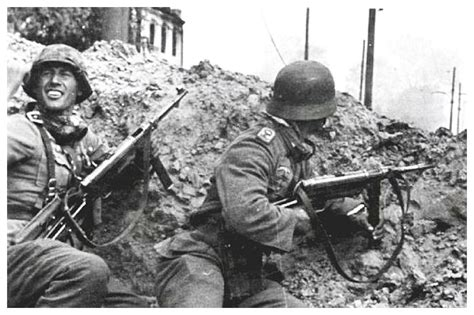 ww2 german soldiers fighting pictures from history rare images of war history ww2