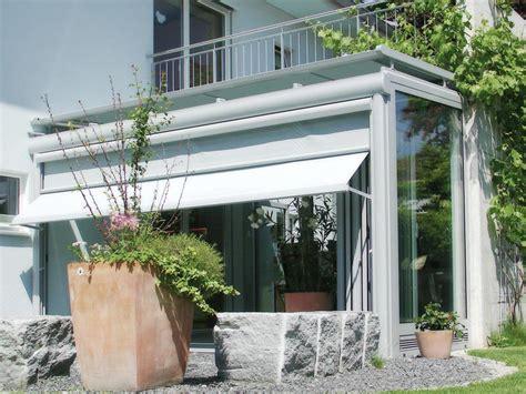 terrassen schiebet r kunststoff balkon im wintergarten umbauen wintergarten auf einem