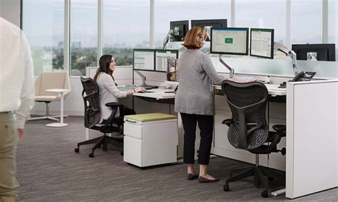 cbre it service desk cbre help desk desk design ideas