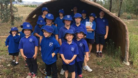 lue students indigenous garden design day  red hill