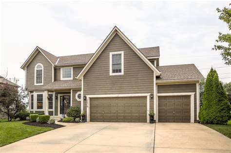 olathe homes for sale listing in arbor landing