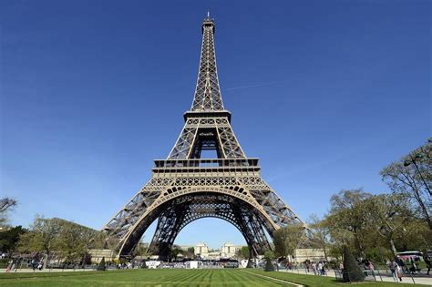 home of the eifell tower eiffel tower cultural icon of paris france found the world