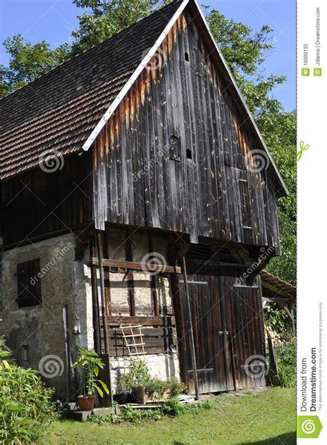 schuur renoveren vergunning oude schuur stock foto afbeelding bestaande uit landbouw