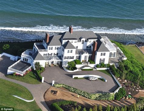 taylor swift house ri taylor swift house vandals revealed as mit graduate scientist and ferry driver