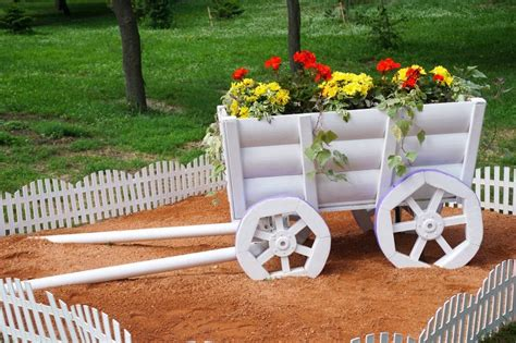 beautiful white fence ideas  add curb appeal   home