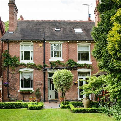 beautiful homes uk take a tour around a detached edwardian home in worcestershire housetohome co uk