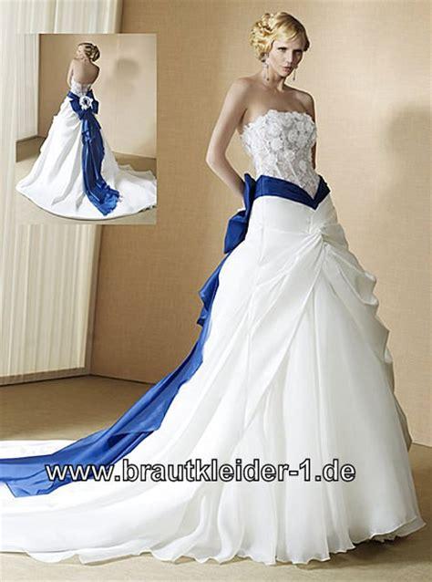 brautkleider blau farbiges brautkleid in weiss blau