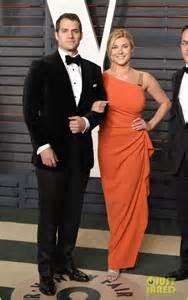 Henry Cavill Vanity Fair Oscar 2016 Henry Cavill Brings Tara King To Vanity Fair