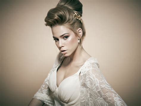 Wedding Hair Large Bun by 15 Wedding Hairstyles For Hair That The Show