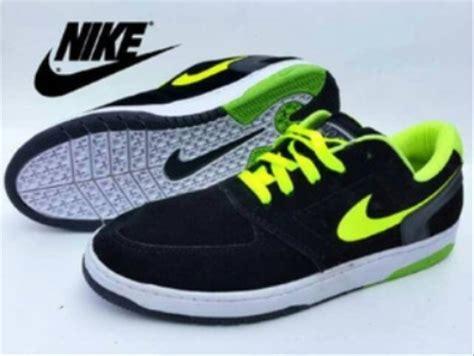Harga Nike Paul contoh iklan produk sepatu dalam bahasa inggris frog slinger