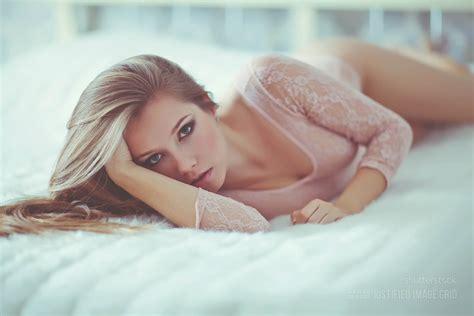 hot women in bed preset 13 orton effect justified image grid premium wordpress gallery