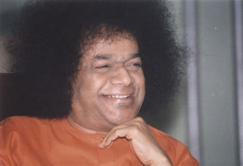 Flow m india s most popular godman sri sathya sai baba is no more