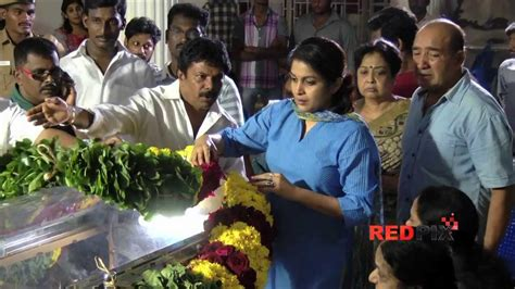 actor goundamani funeral actress ramya krishnan pay respect veteran actress