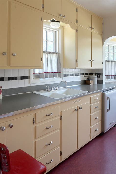 1930s Kitchen Design 1930s Kitchen On Pinterest 1940s Kitchen 1920s Kitchen And 1930s Fireplace