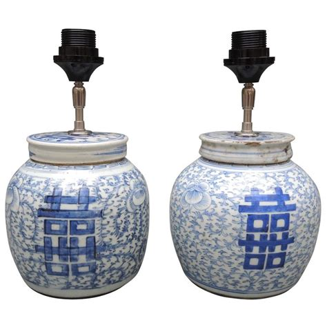 Asian Jar Table L For Sale At 1stdibs Pair Of Antique Blue And White Porcelain