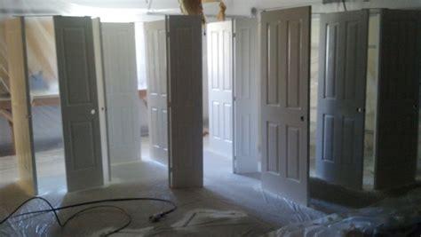 spray painting interior doors how to spray paint interior doors billingsblessingbags org